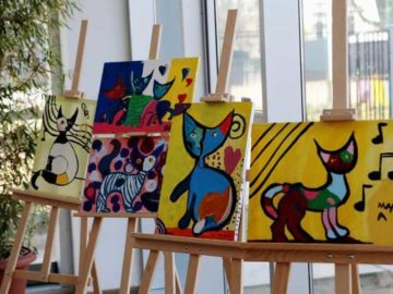 Maroof Ahmad thanked the Department of Tourism for the support and said a platform like this was needed to help the young artist and boost their morale. (Representational Image)