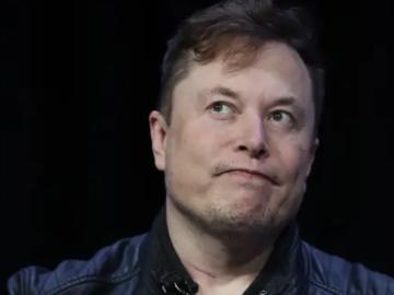 """يقول Elon Musk إنه من المحتمل أن يكون لديه """"حالة معتدلة"""" من COVID-19"""