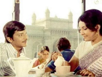 In Basu Chatterjee's 1976 film Chhoti Si Baat, Arun (Amol Palekar) and Prabha (Vidya Sinha) go on demure coffee and tea dates. He dreams of being able to take her to the movies and a fancy café.