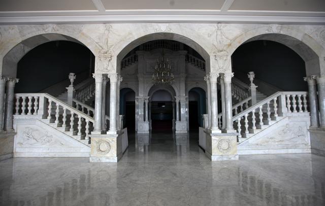 https://news.arabyfan.com/wp-content/uploads/2021/01/دليل-المطلعين-المركز-الوطني-للفنون-المسرحية-في-مومباي-الفن.jpg